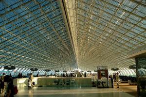 Anreise Bretagne Flugzeug Airport Paris