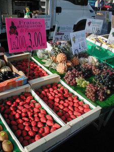 Erdbeeren aus Plougastel sind auf jedem bretonischen Markt zu finden