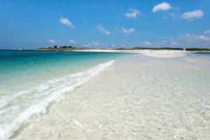 Strand auf der Île Saint-Nicolas