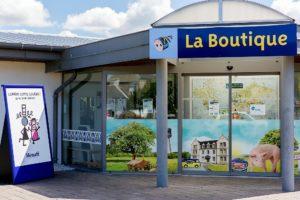 Pâté Hénaff gibt es in eigenen Shops und in allen Supermärlten der Bretagne