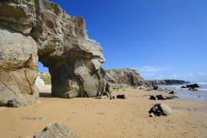 Eines der Wahrzeichen der Halbinsel Quiberon: Arche du Port Blanc